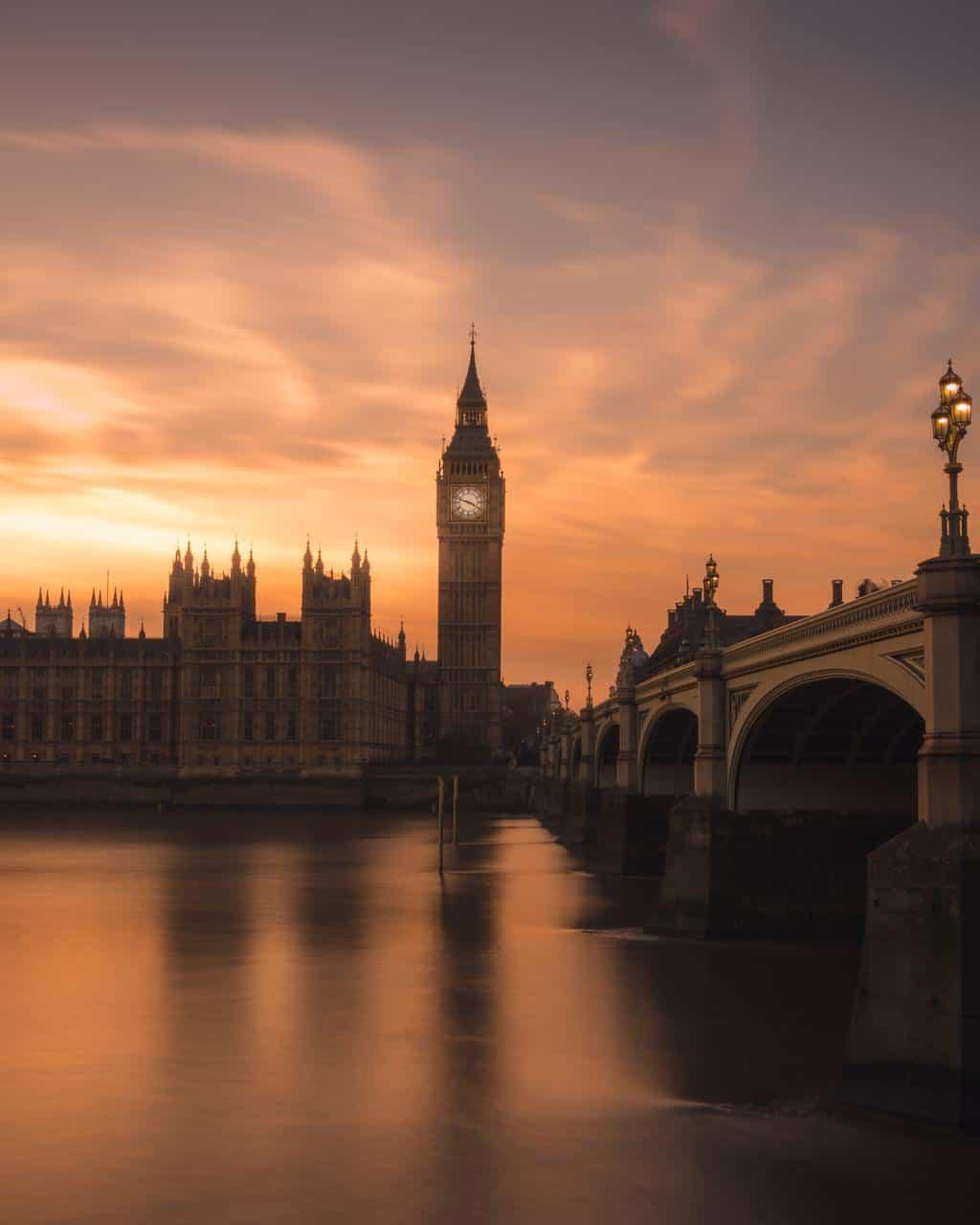 Alivio: Gran Bretaña comenzó la primera campaña de vacunación masiva