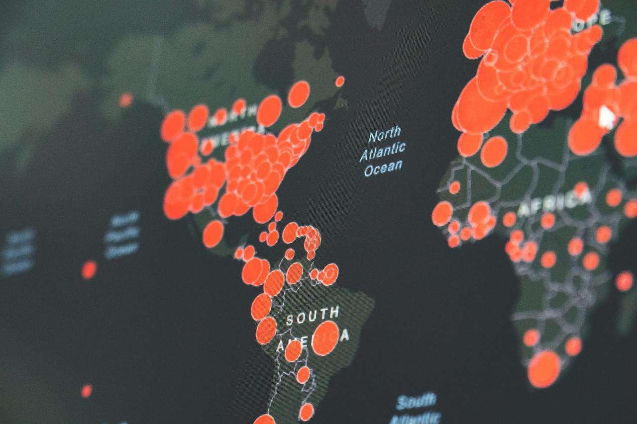 Los planes y las estrategias de los seis países que tienen el mayor ritmo de vacunación en el mundo