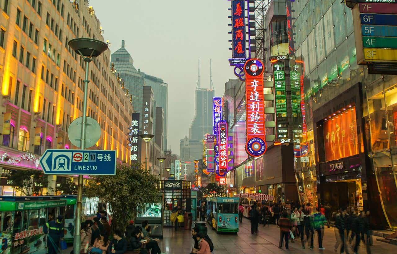 China admite dudas sobre sus vacunas, que se utilizan en 22 países