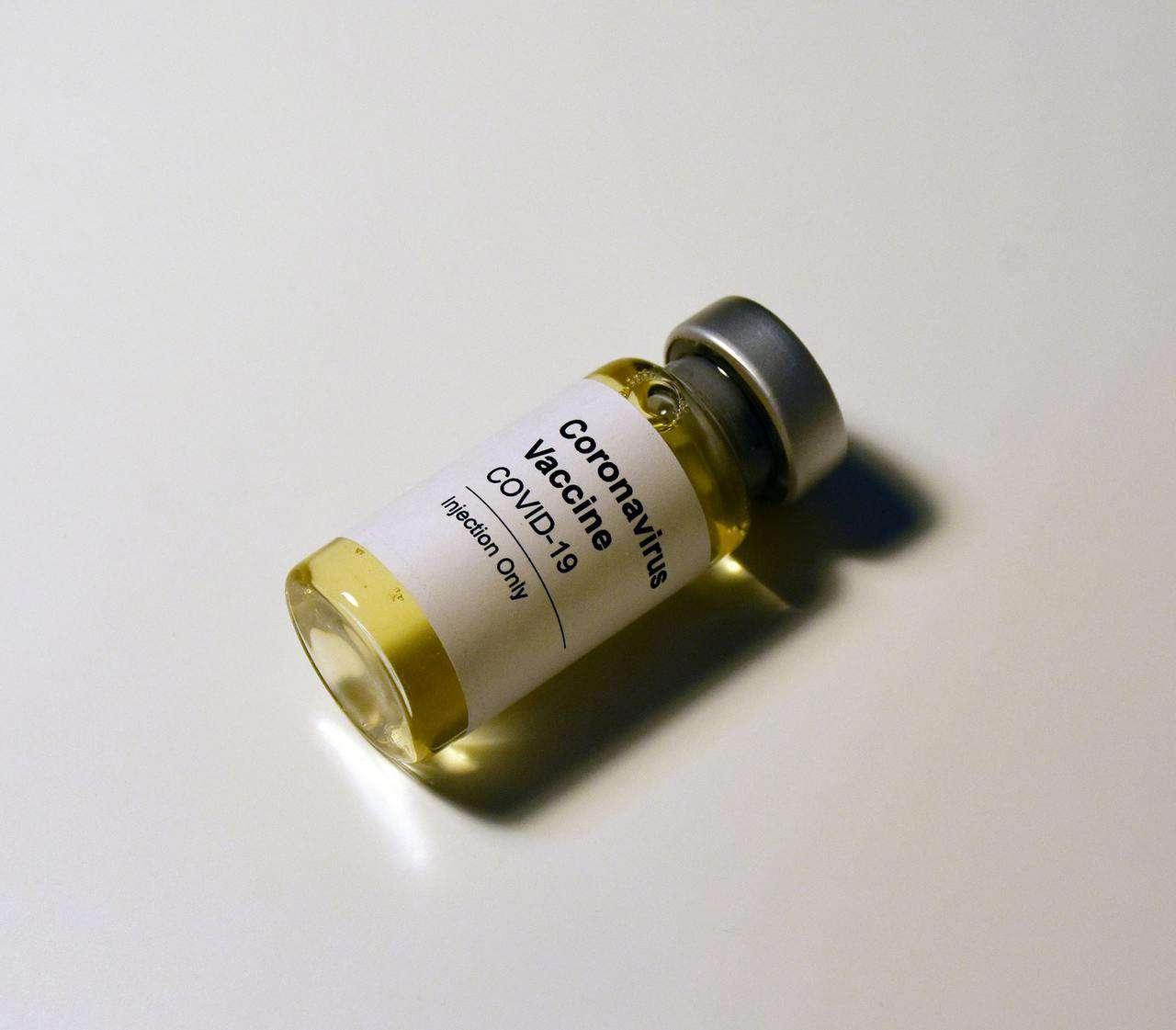 Probablemente todos necesitemos dosis de refuerzo, pero todavía no está claro de qué vacuna