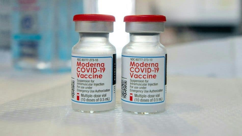 Vacuna Moderna: estiman que podría ser aprobada para menores este mes