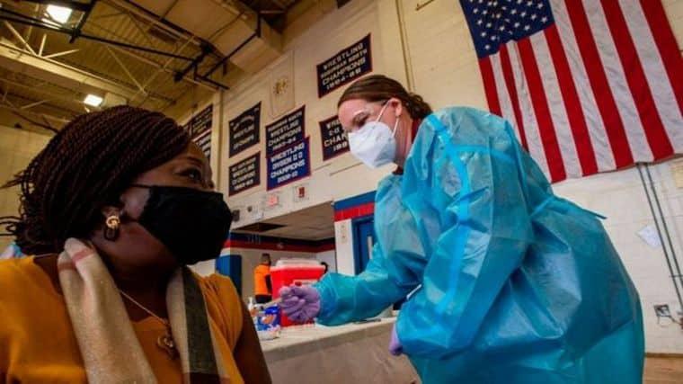 EE.UU. comenzará a aplicar una tercera dosis como refuerzo contra el coronavirus