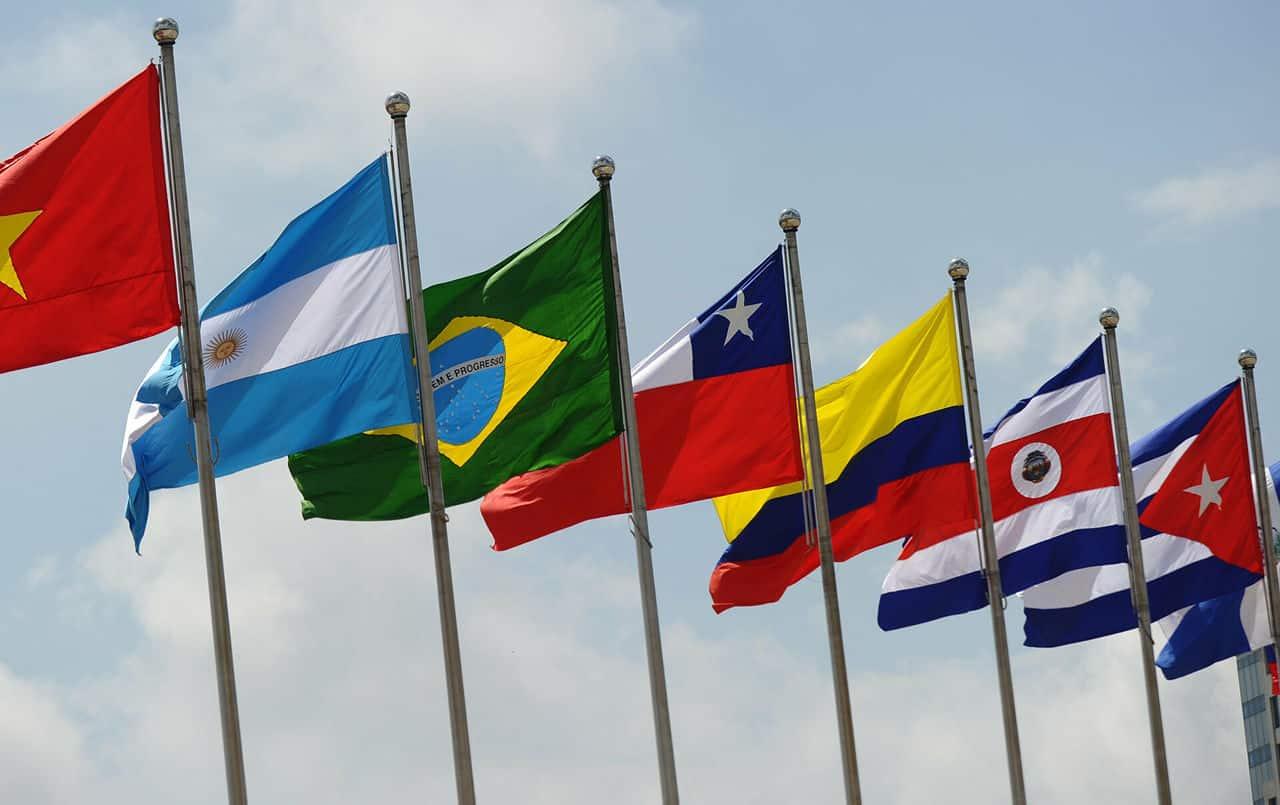 América Latina. La tercera dosis se afianza como estrategia