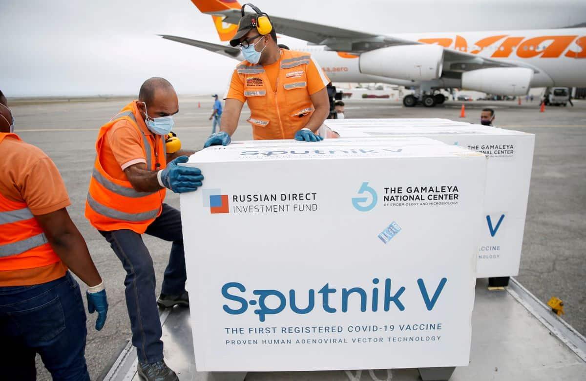 """Sputnik V: el proceso de evaluación de la OMS continúa """"en espera"""""""
